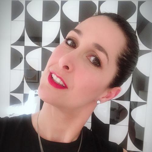Julie/Anne's avatar