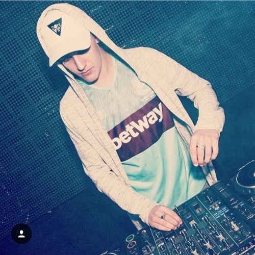 DJ Robin's avatar