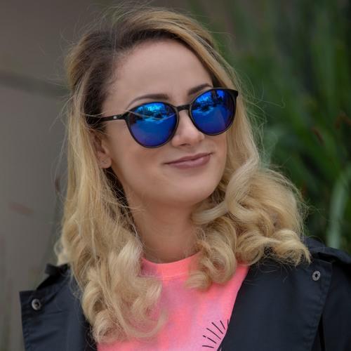Jeanine Da Feen's avatar