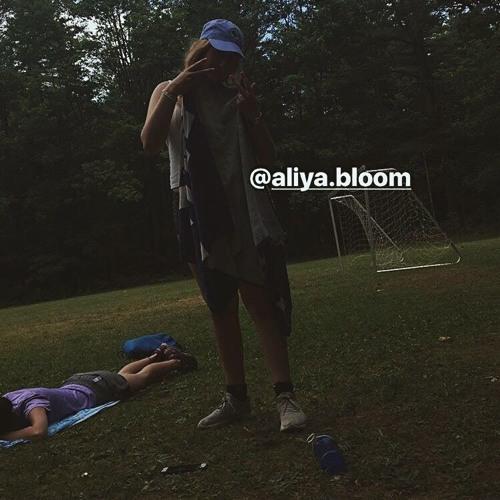 Aliya Bloom's avatar