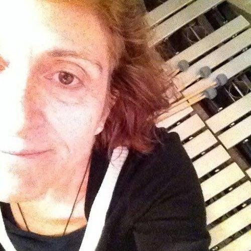 Vivian Stoll's avatar