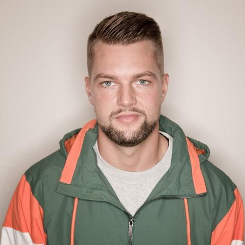 DJ DeeVoe's avatar