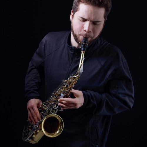 Traveling Saxophonist's avatar