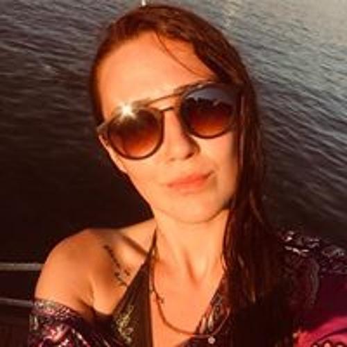 Melike Melek Köksal's avatar