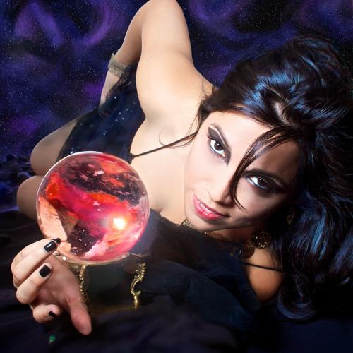 Lisa Lazo's avatar