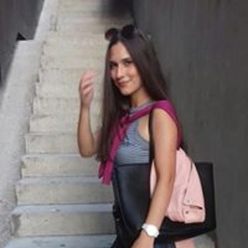 Lara Costa's avatar