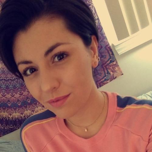 Julia Monteleone's avatar