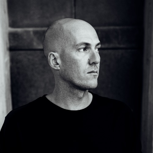 Profile photo of Julian Jeweil