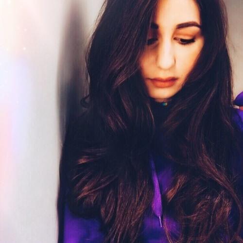 Madina Zhangurazova's avatar