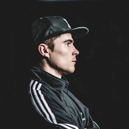 DJ Xris's avatar