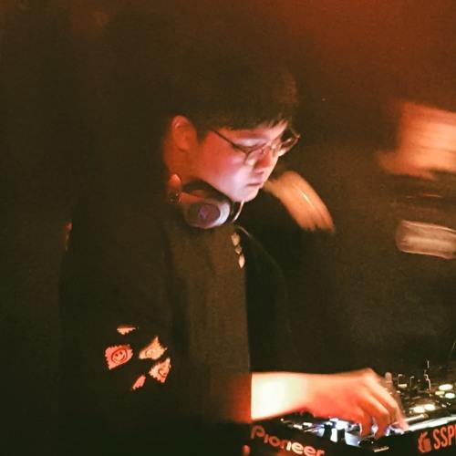 DJ J8n's avatar