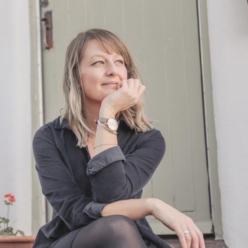 Emily Davies's avatar