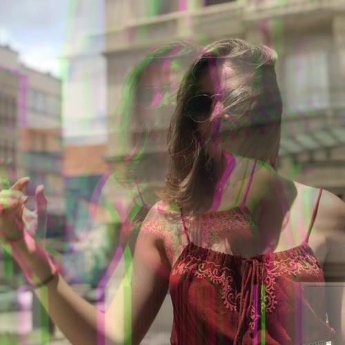 Giullia Quevedo @giulliaintrouble's avatar