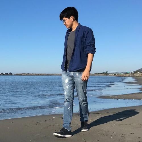 Daniel Kim's avatar