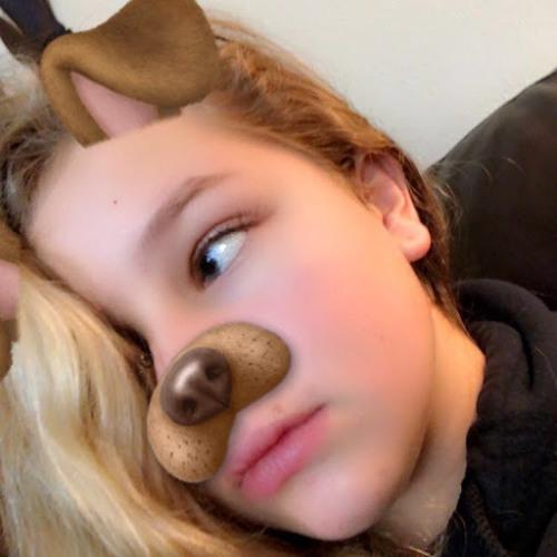 Lily Riks's avatar