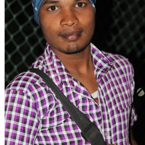 S Dinesh Dina's avatar