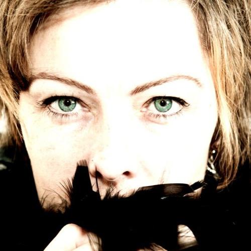 Lucy Lune Gillespie's avatar