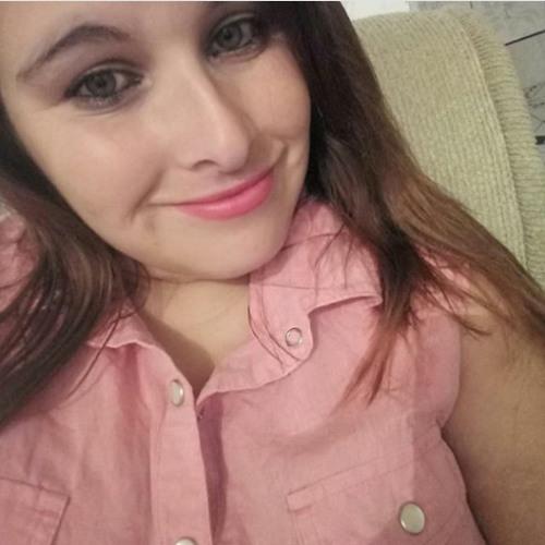 Mirelly Oliveira's avatar