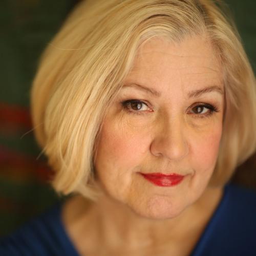 Elizabeth T's avatar
