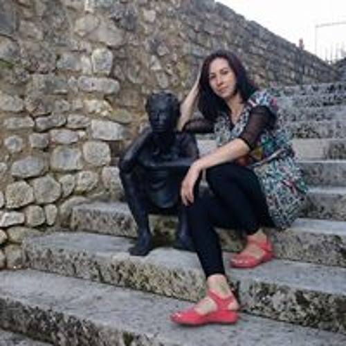Gabriela  Chiper's avatar