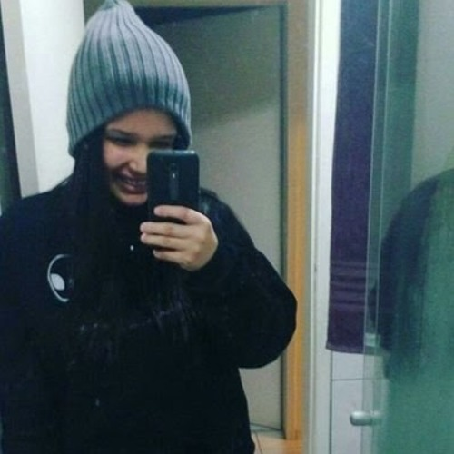 Luiza Carolina's avatar