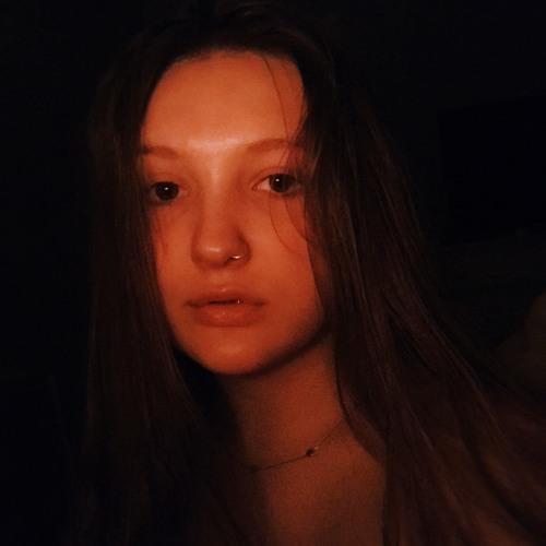 Chlo <3's avatar