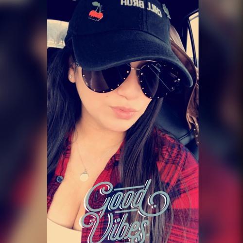 Veronica Reyes's avatar