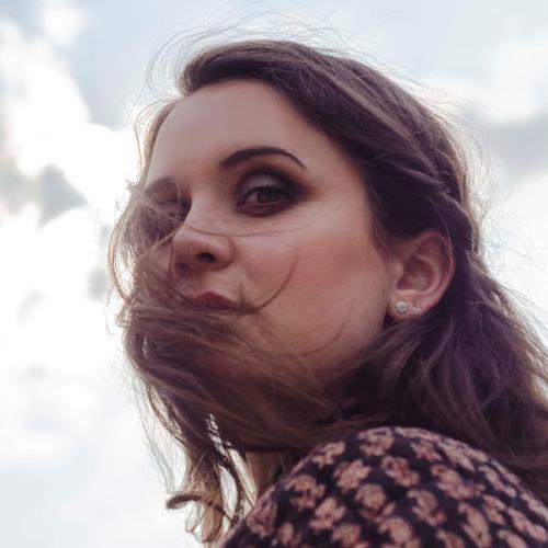 Laura Reznek's avatar