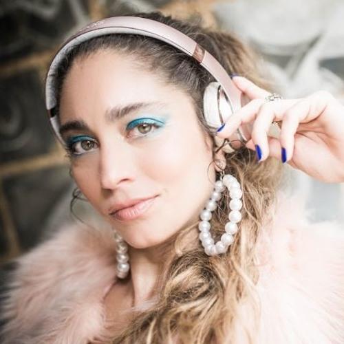 Flavia Xexeo's avatar