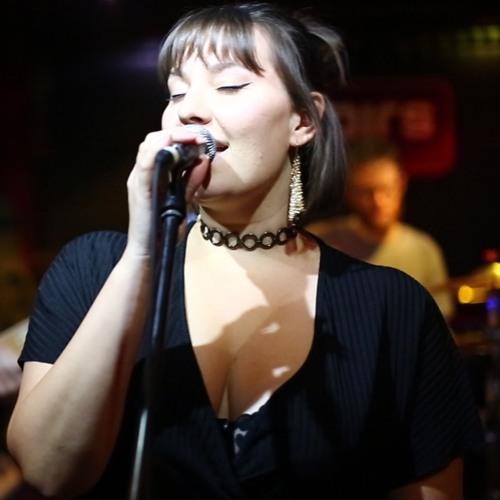 Chelsey Rydzinski's avatar