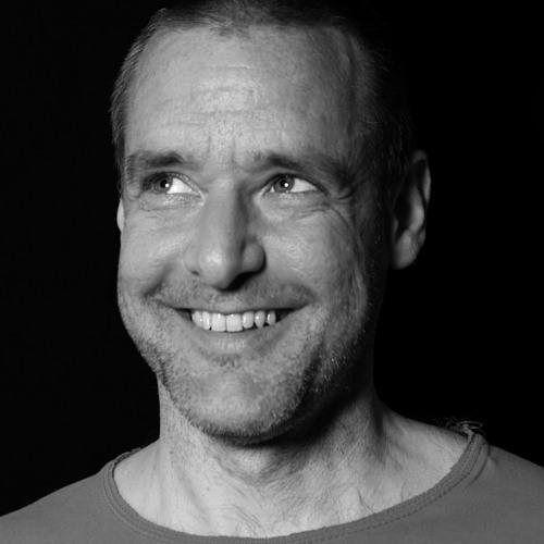 Erik Sumo / Tövisházi Ambrus's avatar
