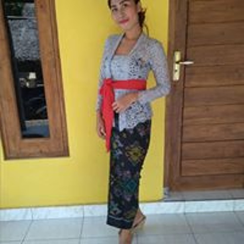 Komang Sri's avatar