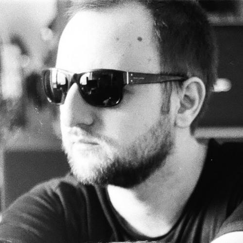 Max Tau's avatar