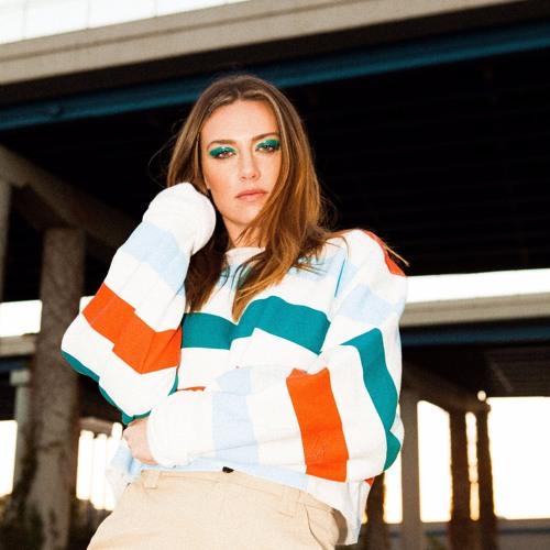 Chelsea Lankes's avatar
