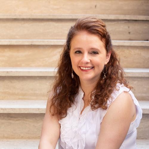 Dr. Adriana Popescu's avatar