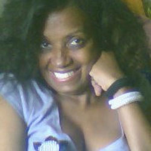 Betina Santos's avatar