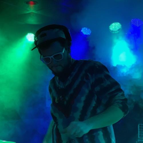 tuseelight's avatar