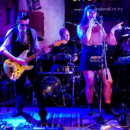 Looking Glass Band