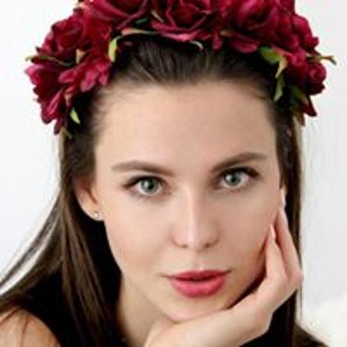 Elizabeth Mouss's avatar