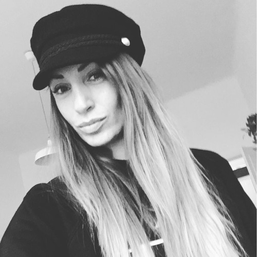 Veronika Amie's avatar