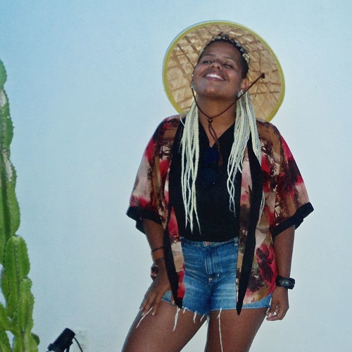 Emanuelly Araujo's avatar