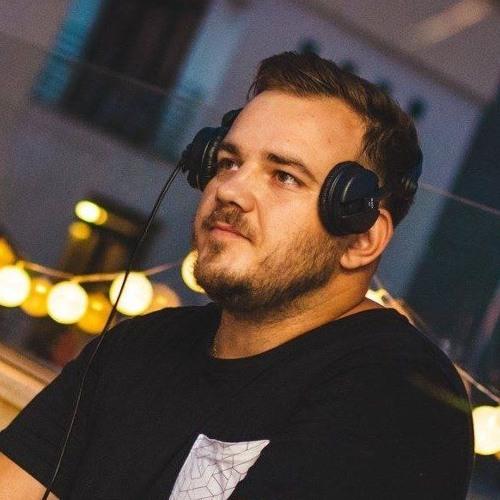 Razvan Dinescu's avatar