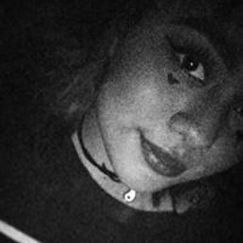 Beca Bena's avatar