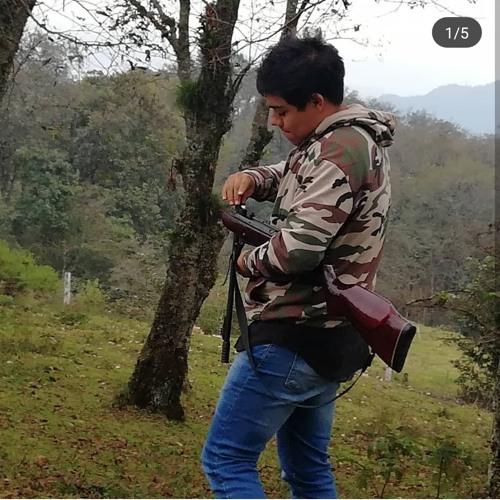 Daniel Chávez's avatar