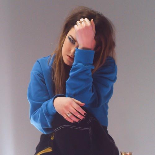Elle Azar's avatar