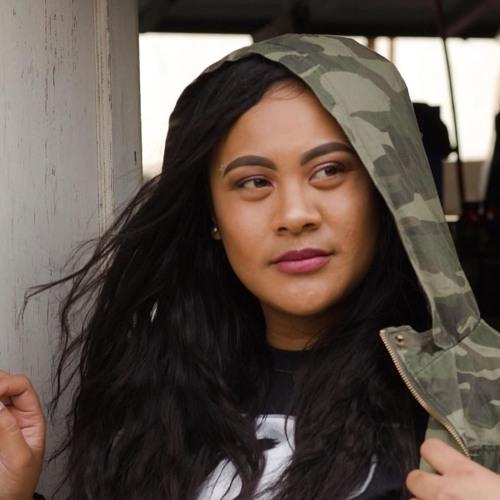 Ms. B Royal's avatar
