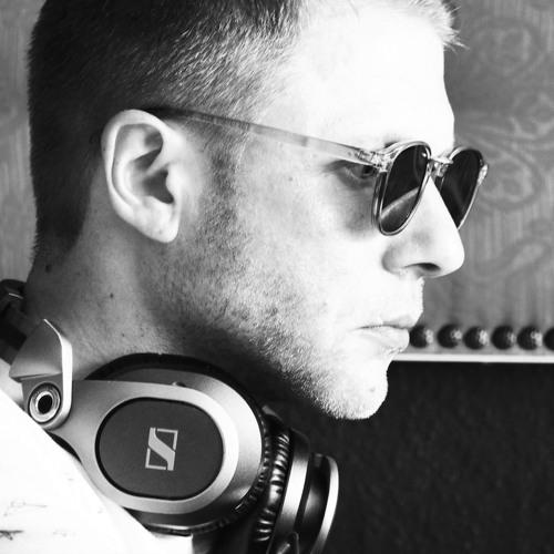 TOMISLAV's avatar