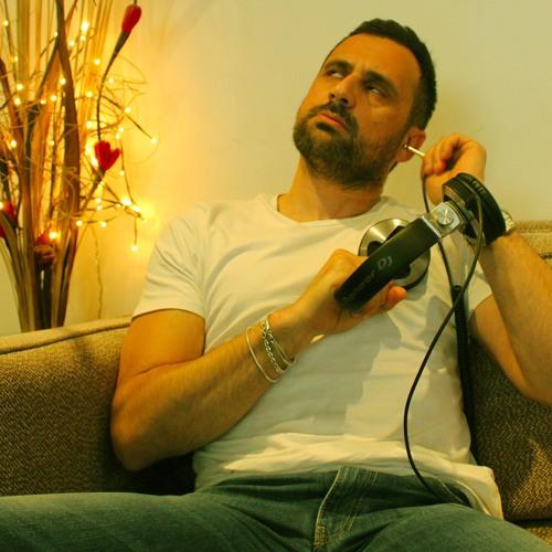 Roberto Cusimano's avatar