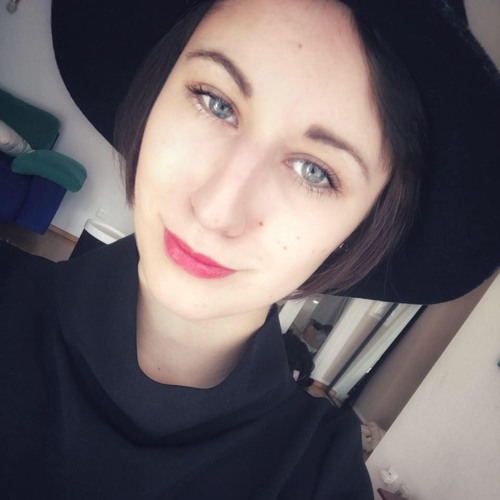 Milena Couleur's avatar