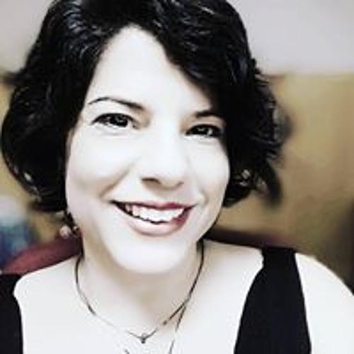 AnaCarlaBringuente's avatar